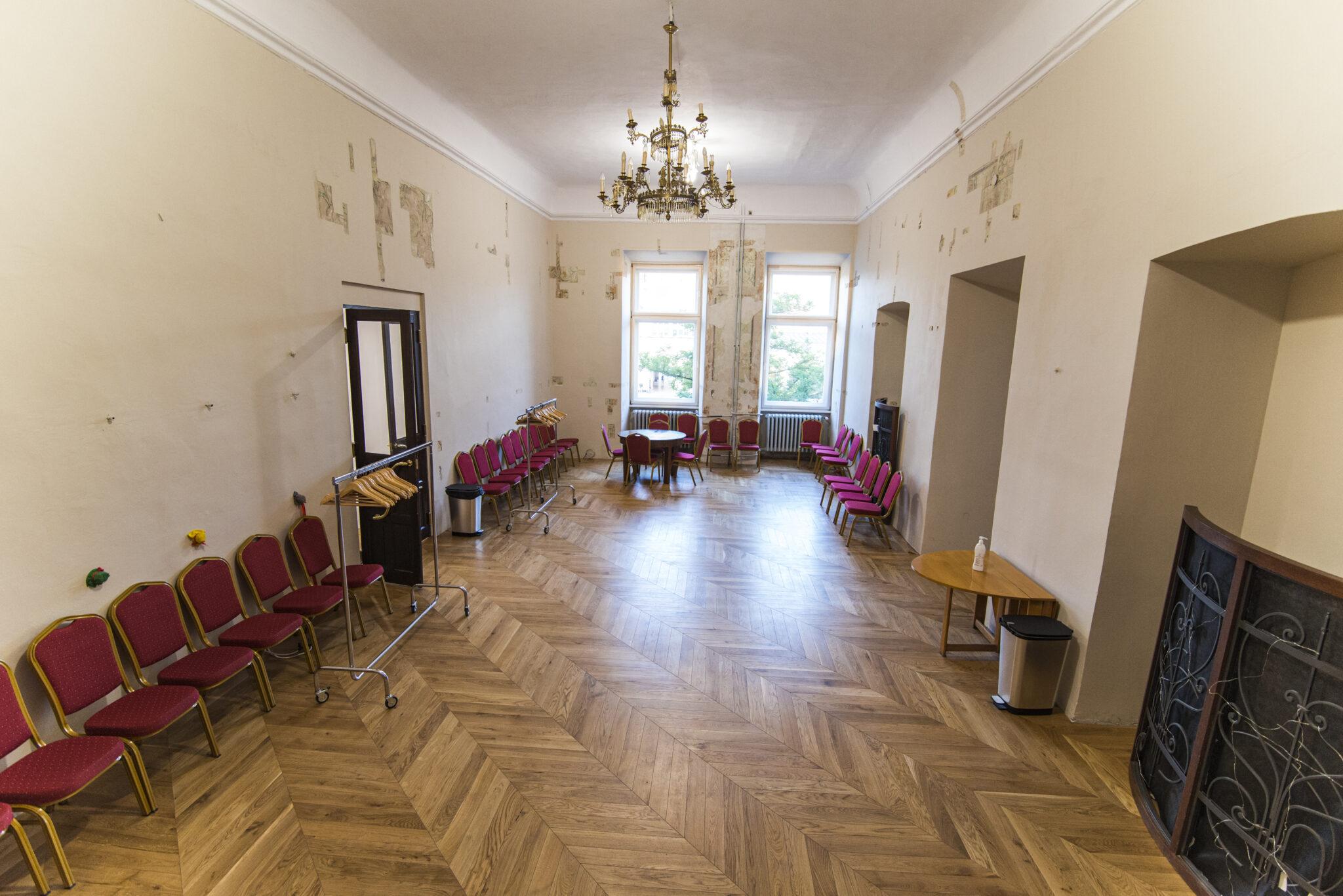 Foyer - przestrzeń otwarta - 85m2